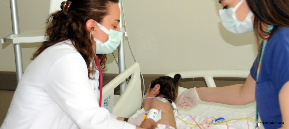 """2 Çocuk Annesi Doktor: """"Hasta Çocukların Bana Daha Çok İhtiyacı Var"""""""