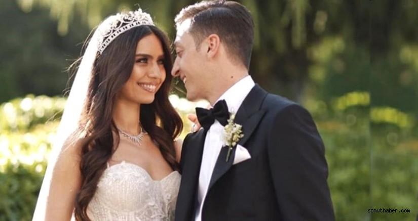 Amine Gülşe evlenir evlenmez soyadını değiştirdi
