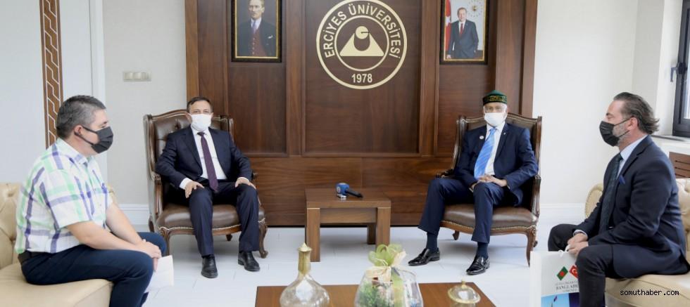 Bangladeş Ankara Büyükelçisi Mosud Mannan, ERÜ Rektörü Çalış'ı Ziyaret Etti