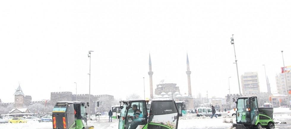 Başkan Çolakbayrakdar, Kar Temizleme Çalışmalarını İnceledi