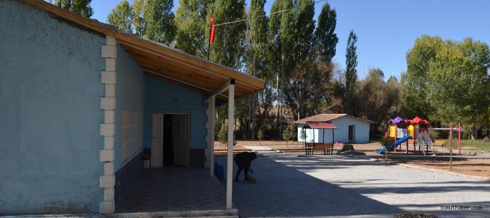 Bünyan Belediyesi'nden Sıvgın İlkokuluna Peyzaj Uygulaması
