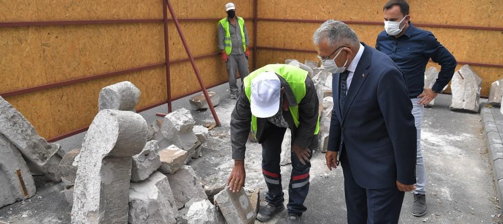 Büyükkılıç, Seyyid Burhaneddin Cami Minaresi Restore Çalışmalarını Yerinde İnceledi