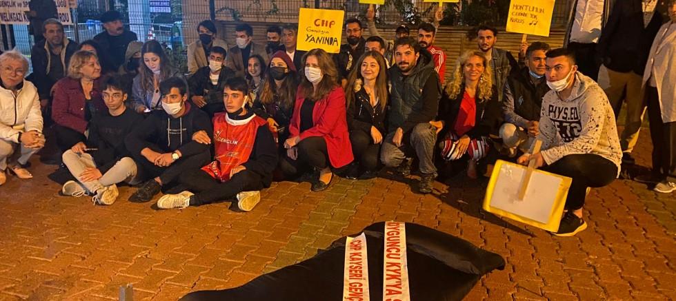 CHP'li Eda Albayrak: Genciz Biz İşsiz, Yurtsuz ve Burssuz