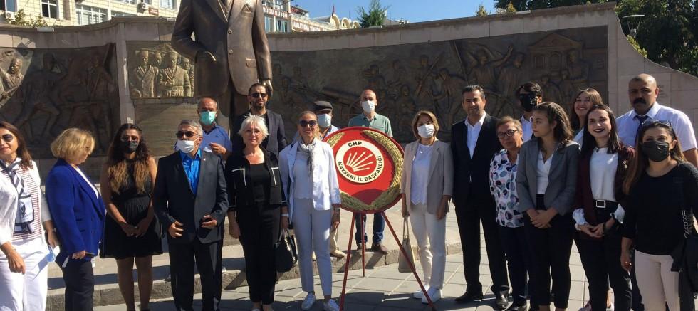 Dr. Sema Karaoğlu, CHP'nin Kuruluşu ve İzmir'in Kurtuluşunu Kutladı