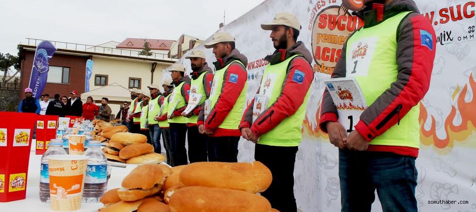 Erciyes'te sucuk ekmek yeme yarışması