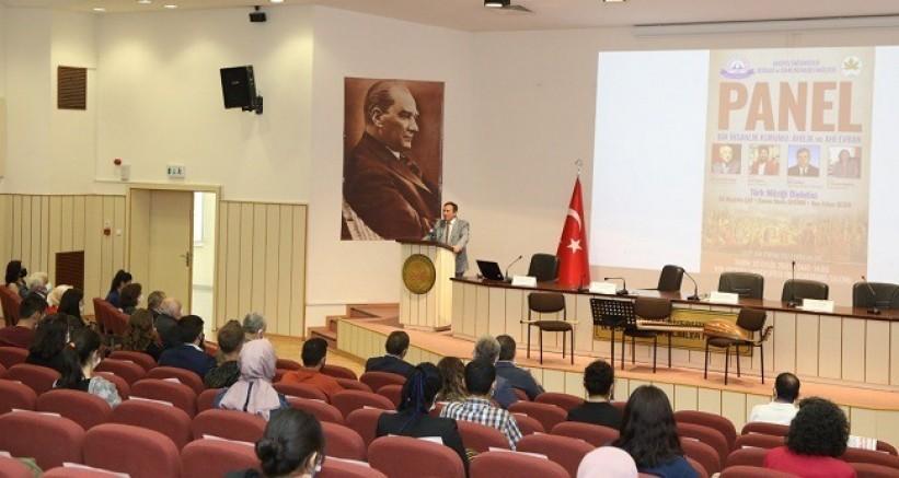 """ERÜ'de """"Bir İnsanlık Kurumu: Ahilik ve Ahi Evran"""" Konulu Panel Düzenlendi"""