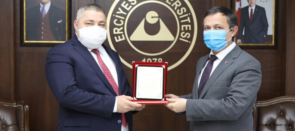 ERÜ Rektörü Çalış, Prof. Dr. Abdullah Demirtaş'ı Tebrik Etti