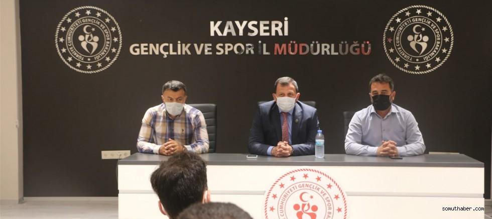 Gençlik ve Spor İl Müdürü Kabakcı, Yüzme Kulüpleriyle Toplantı Yaptı
