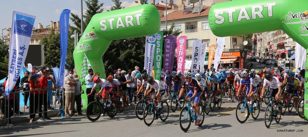 Grand Prix Velo Erciyes Bisiklet Yarışı'nın İkinci Etabı Başladı