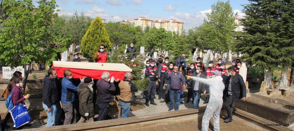 Grup Yorum Üyesi Gökçek, Kayseri'de Toprağa Verildi