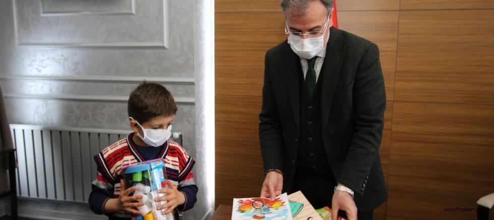 İkinci Sınıf Öğrencisi Bilal Akar'dan Başkan Özdoğan'a Anlamlı Ziyaret
