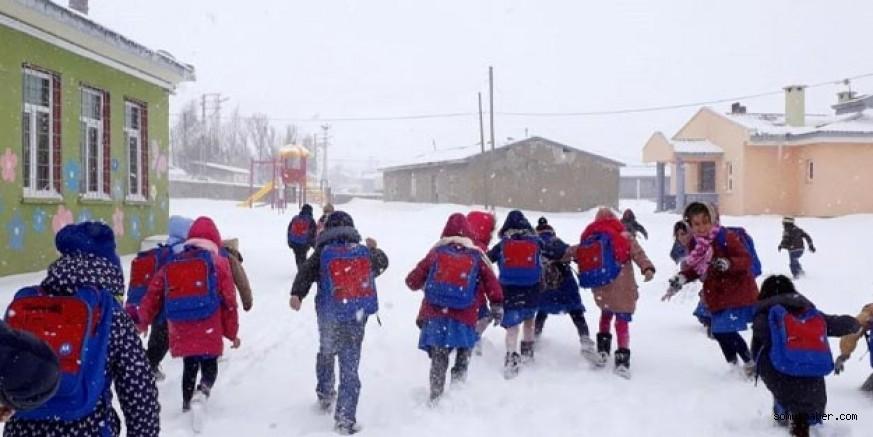 Kayseri'de 6 İlçede Okullar Yarın da Tatil