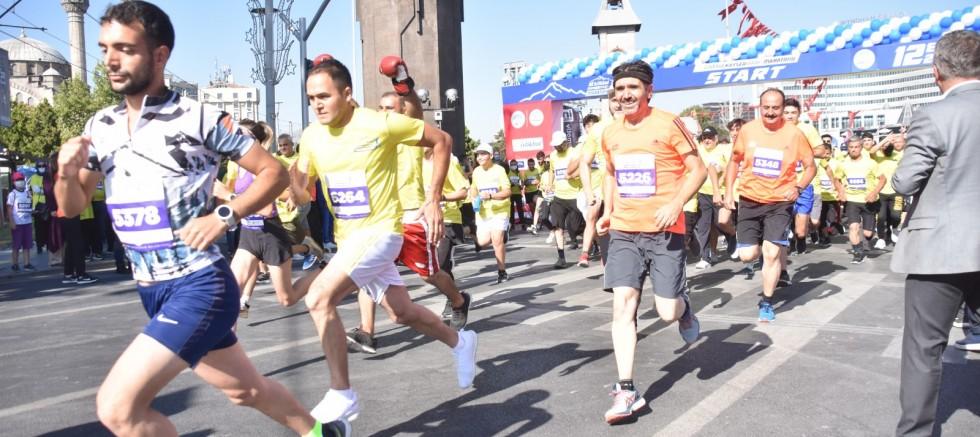 Kayseri'de Halk Koşusu Başladı