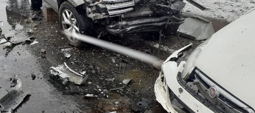 Kayseri'de pickup ile otomobil çarpıştı: 1 yaralı