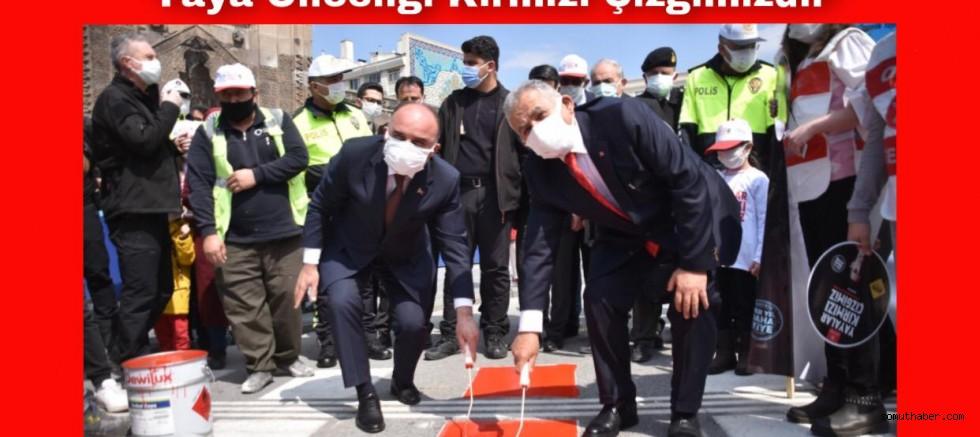 Kayseri'de 'Yaya Önceliği Kırmızı Çizgimizdir' Uygulaması