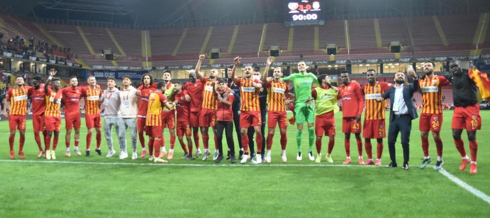 Kayserispor, Galatasaray'ı Evinde 47 Yıl Sonra Yendi
