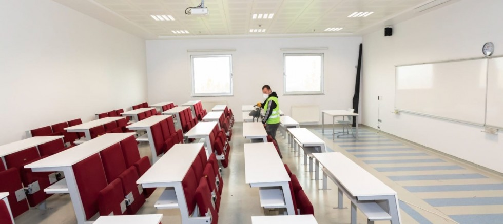KAYÜ'de Derslikler ve Ortak Kullanım Alanları İlaçlandı
