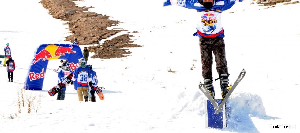 Kış Sporları Tutkunları Kayseri'de Yarıştı