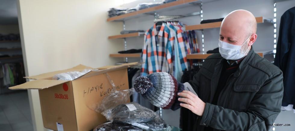 Kocasinan'da İhtiyaç Sahibi Ailelerin Soğuk Kış Gününde Gönülleri Isındı