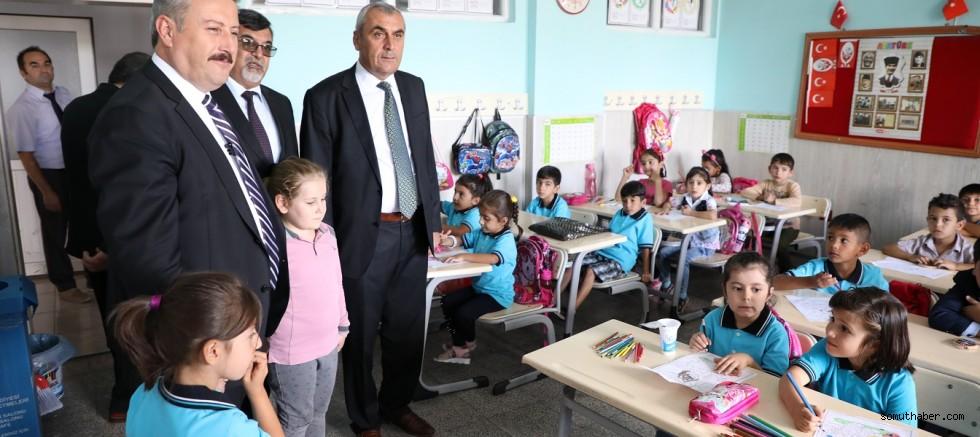 Melikgazi'den Okullara Kırtasiye Yardımı