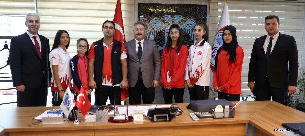 MELMEK Şampiyonlarından Başkan Palancıoğlu'na Ziyaret