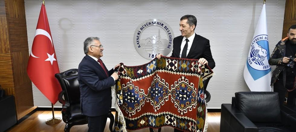Milli Eğitim Bakanı Kayseri'de
