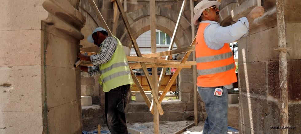 Mimar Sinan'ın Memleketinde Taş İşçiler, Tarihi Yapıları Restore Ediyor