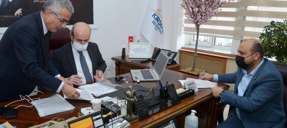 MMO Başkanı Varol, Kırşehir Belediyesi İle Asansör Protokolü İmzaladı