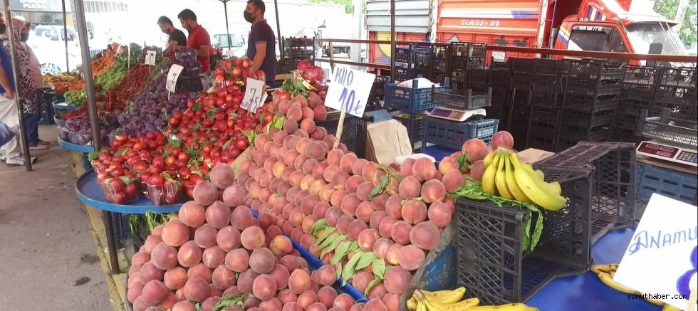 Pazara Yaz Geldi, Meyve Fiyatları El Yakıyor