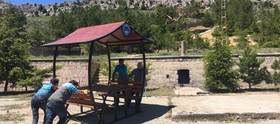 Pınarbaşı Belediyesi Melikgazi Türbesini Ziyarete Hazır Hale Getirdi