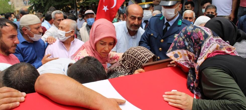 Şehit Astsubay, Gözyaşlarıyla Son Yolculuğuna Uğurlandı