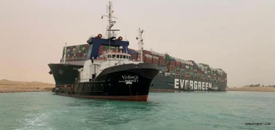 Süveyş Kanalı'nı Tıkayan Gemi Tekrar Yüzdürüldü