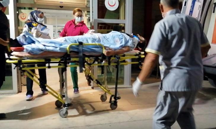 TIR'la Hafif Ticari Aracın Çarpıştığı Kaza Kamerada; 2 Yaralı
