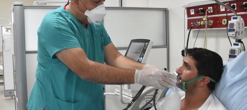 'Varyantlarla Birlikte Hastanelerimizde Hasta Yoğunluğu Artıyor'